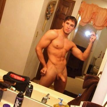 Muscled Guy Show Dick And Hunk Body
