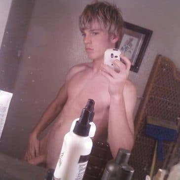Twinks Solo Pic From His Room Wanking