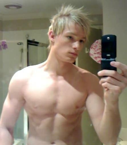 Handsome Blonde Guy Show Off On Cam