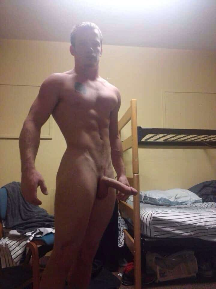 Muscular college twink showing off his nude body